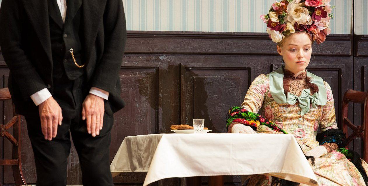 """""""Schlechte Partie"""" (A. Ostrowskij) in der Regie von Alvis Hermanis an der Wiener Burg"""